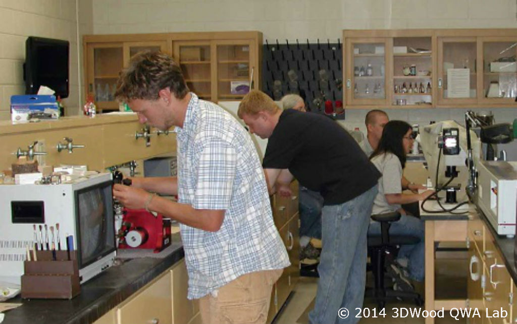 Dr. Zink-Sharp and Dr. Copenheaver lead the Wood Anatomy for Dendrochronologists workshop in 2012.